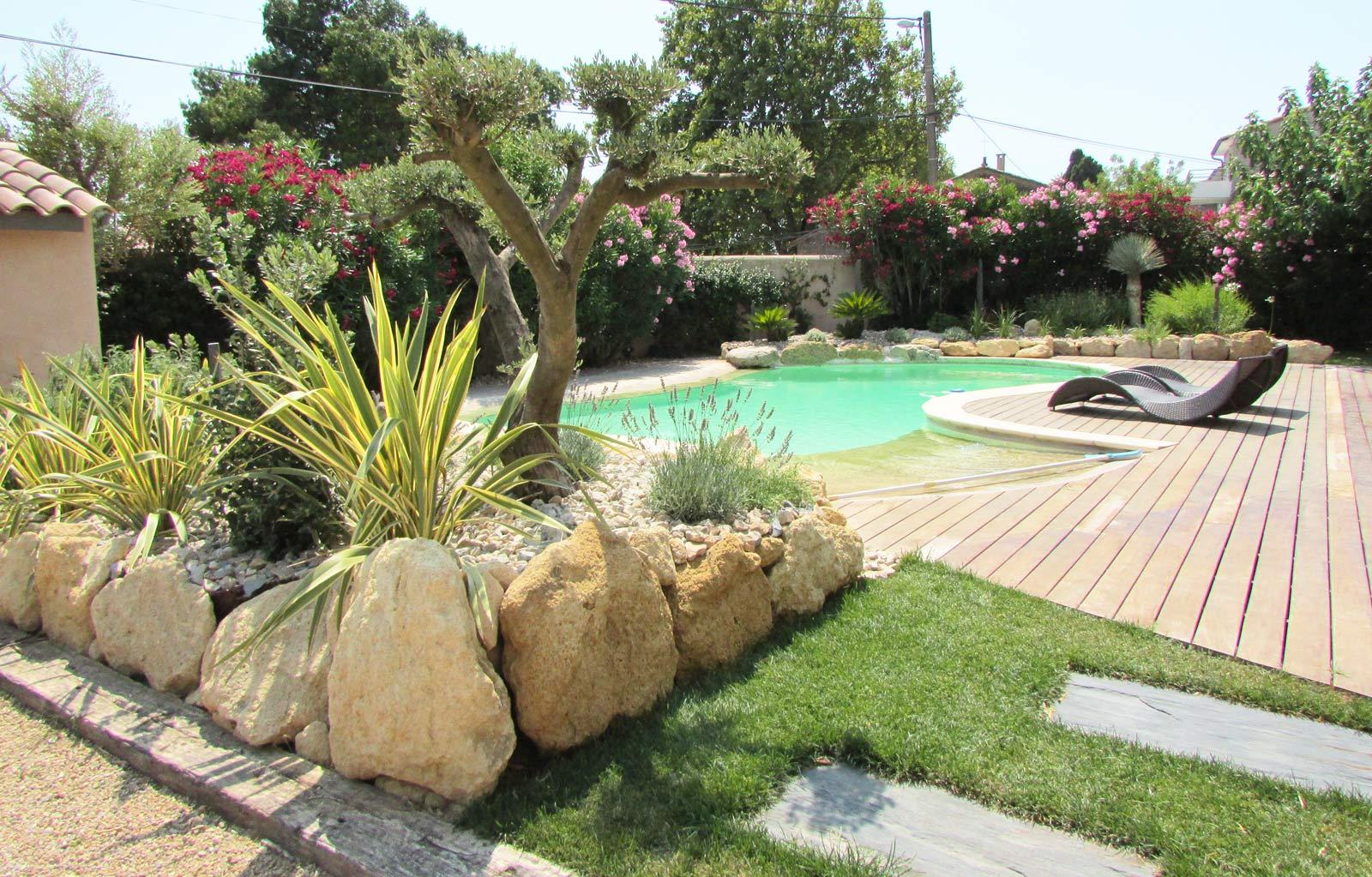 Paysagiste jardinier bouches du rh ne istres activitus for Entretien jardin istres